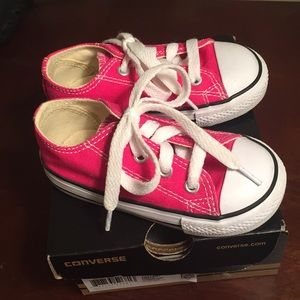 Converse Toddler Sz 6